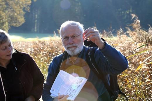 Manfred Siering erklärt den Raubwürger