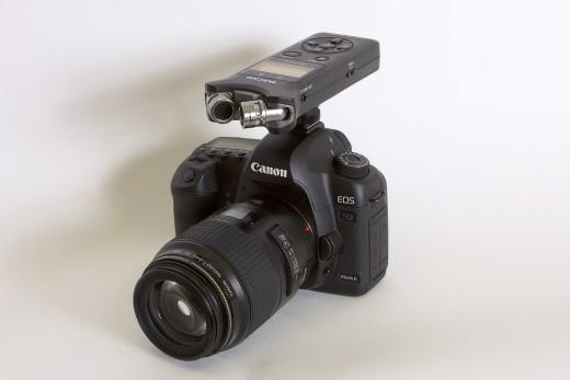 TASCAM DR-07 mk2 an DSLR - digitaler Audiorekorder (c) TASCAM