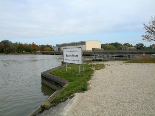 Donauschleuse am Bertoldsheimer Stausee