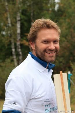 Dr. Niels Dingemanse arbeitet am Kohlmeisen-Forschungsprogramm mit