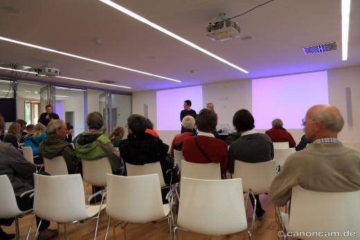 Vortrag von Dr. Simone Pika über die Gestenforschung